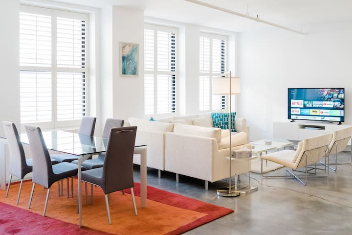 951 Sq. Feet, Spotless & Steps to Boston Common