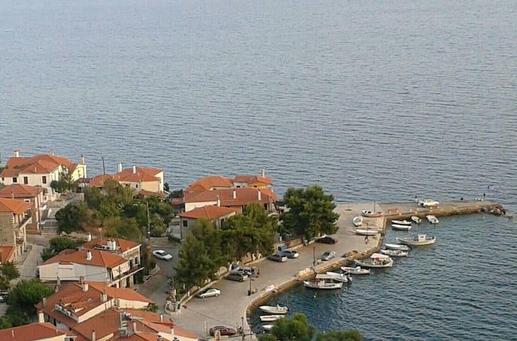 Διαμέρισμα Με θέα θάλασσα - Μοναστηράκι - Apartemen