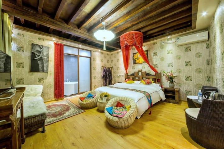 【二泉】五星好评优质大床房 。配大茶台和豪华浴缸,房间宽畅,办公聚会首选房。点头像看咱家其他房型。