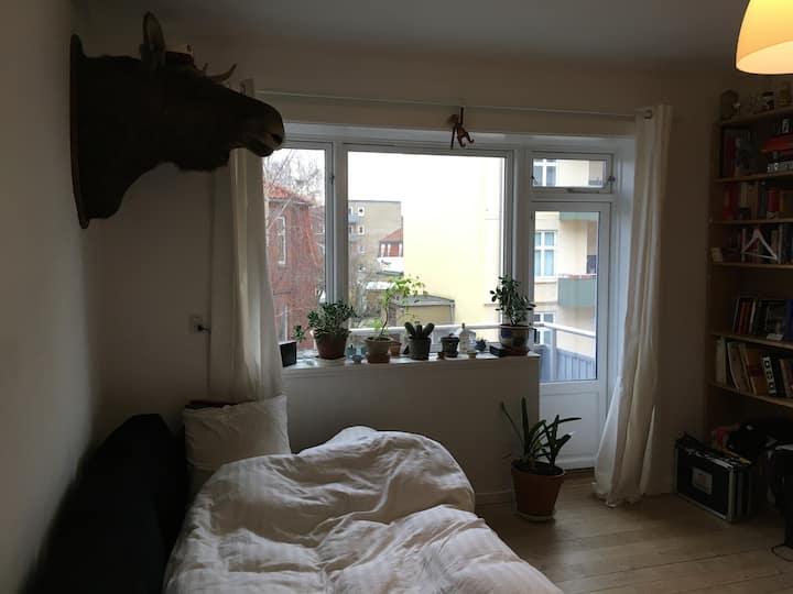 Cozy small room for a few nights sleep