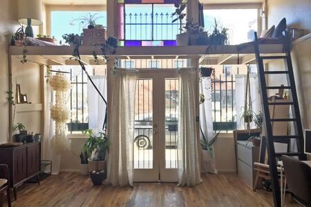 Artist's Studio Loft in Arts District - Denver - Loft