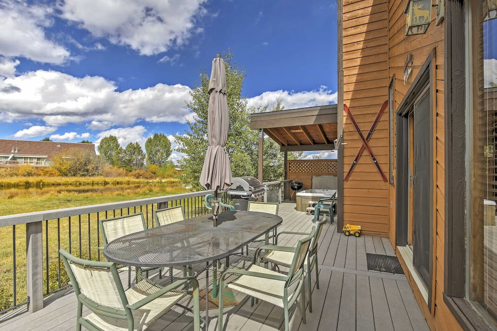 You'll love spending time on the furnished deck.