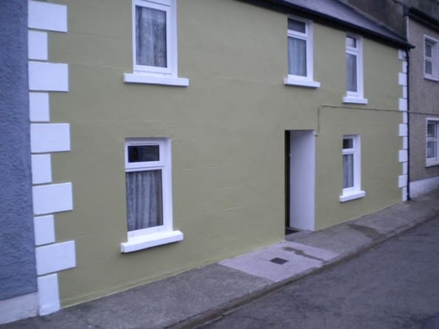 Beautiful Townhouse In Gateway to West Cork.