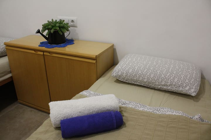 Room near Barcelona Airport El Prat - El Prat de Llobregat - Apartamento