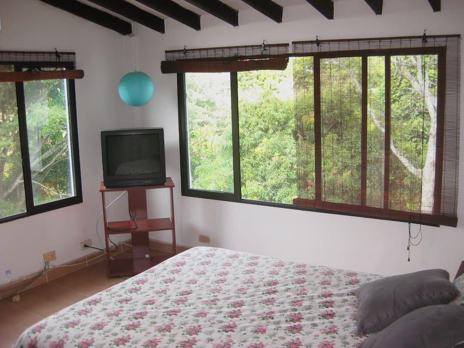 Habitación principal, con cama doble.