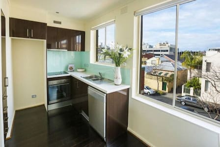 A Cosy Locals Home in the Heart of South Melbourne