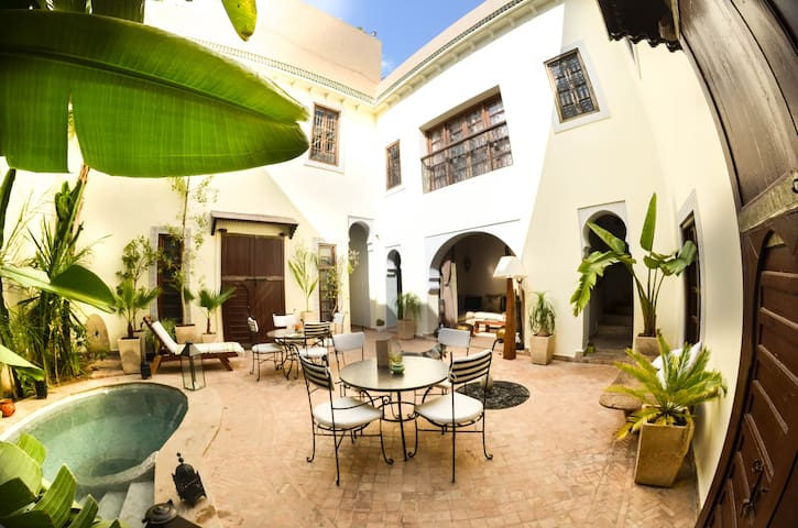 RIAD LES AMMONITES & SPA superior room