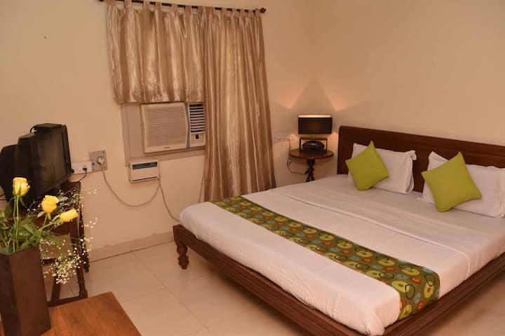 Happy Planet, Bed & Breakfast, Chennai