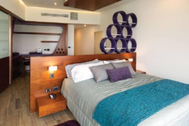 Habitación dentro de hotel Puebla zona Angelopolis
