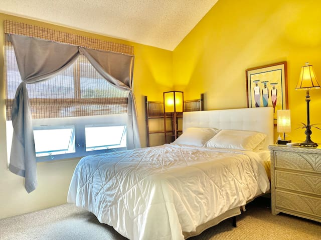 2nd bedroom offers a Queen size bed. Quiet remote controlled AC slit unit ensures a good night sleep.