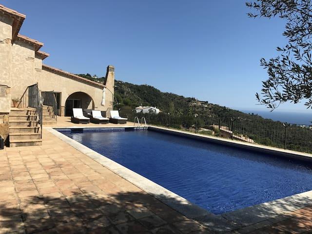 Mas Nou Villa with pool and sea view