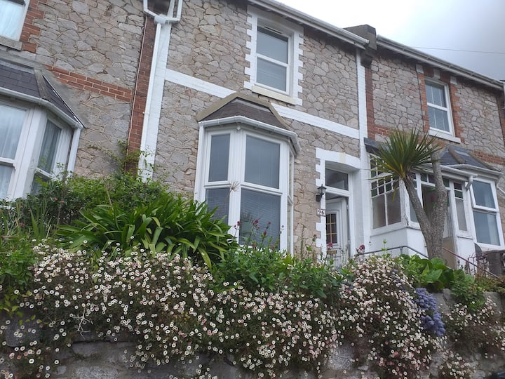 2 BEDROOM HOUSE ON THE ENGLISH RIVIERA