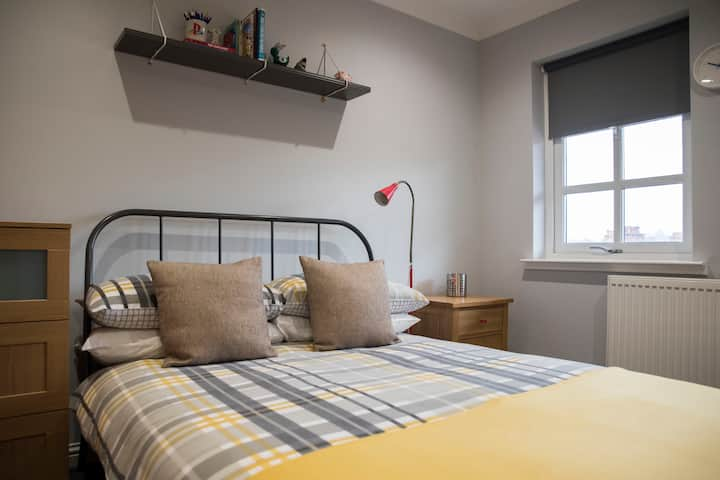 Double Room, Bathroom, Apartment, Near Edinburgh