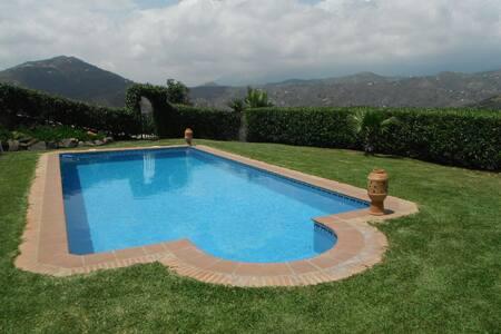 Beautiful 3 bedroom Villa. - Sayalonga