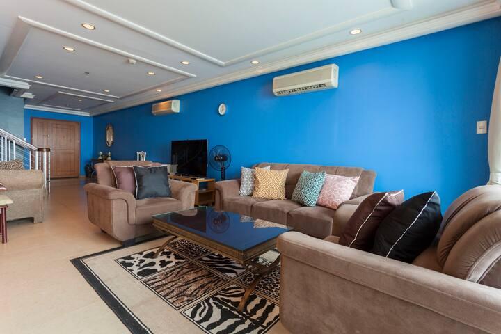 Penthouse BaySide 230Sqm Wifi 20pax US Embassy MOA - Manila - Apartment