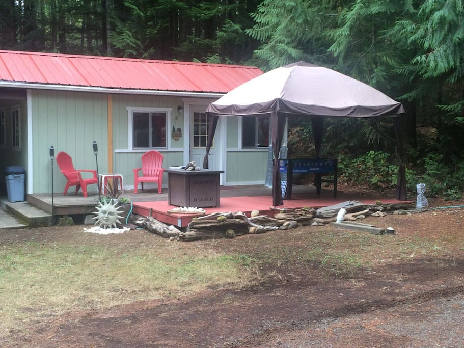 Cozy lake cabin get a way cottages for rent in hoodsport for Washington state cabins for rent