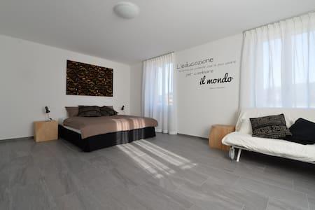 BED & BREAKFAST - SALOTTO BRÈ - Lugano