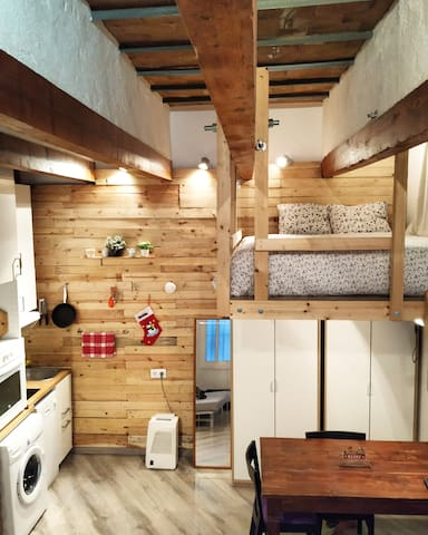 Cozy Studio Loft close to Metro and Camp Nou