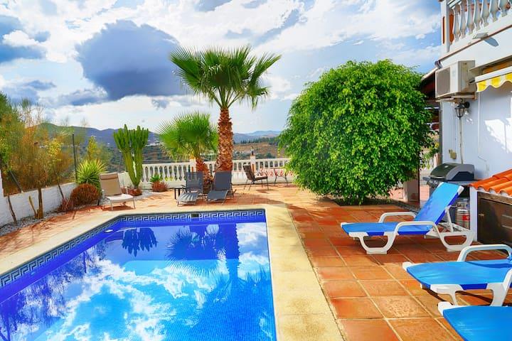 Fabulous Villa,Amazing Mountain Views,Close to Sea