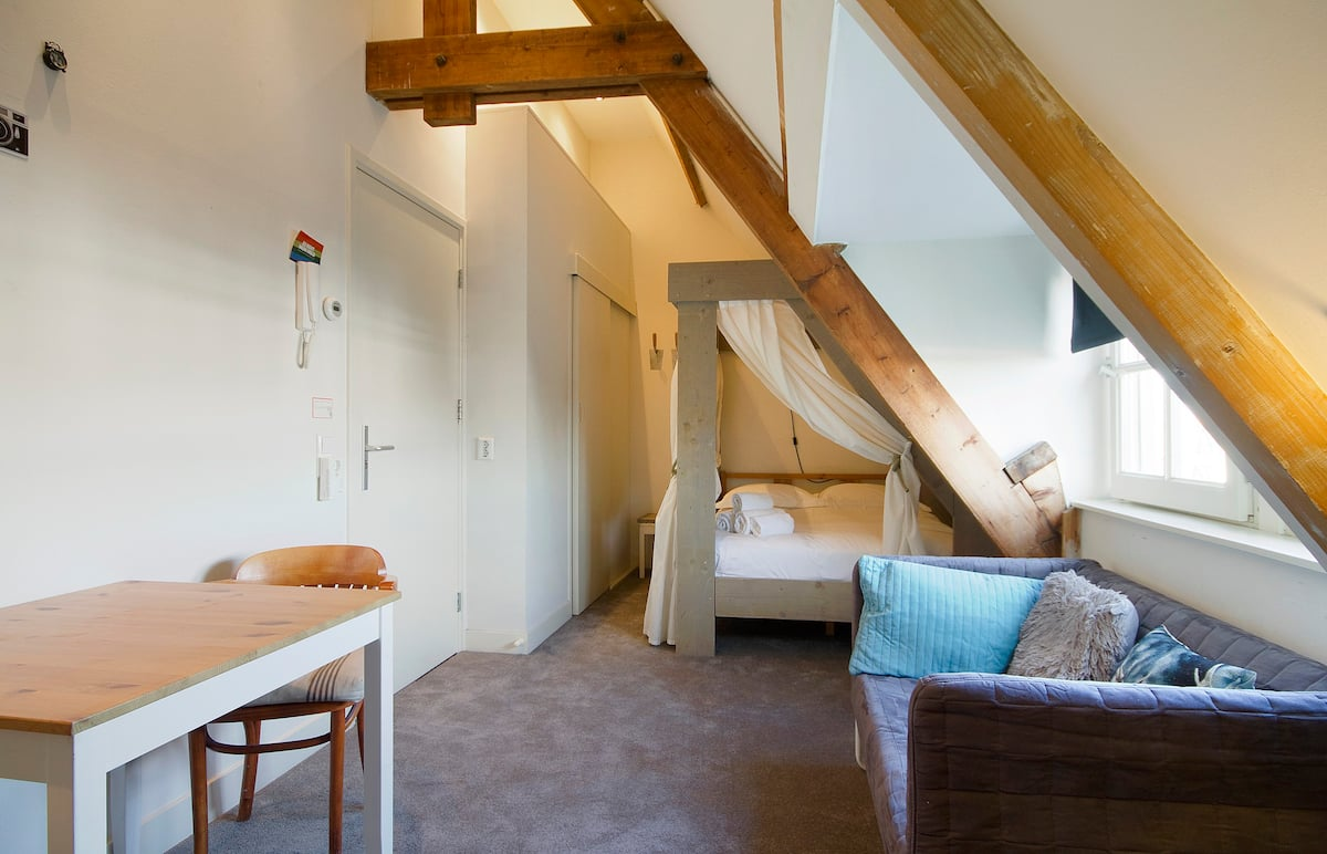 Studio Apartment in Amsterdam perfect for couples