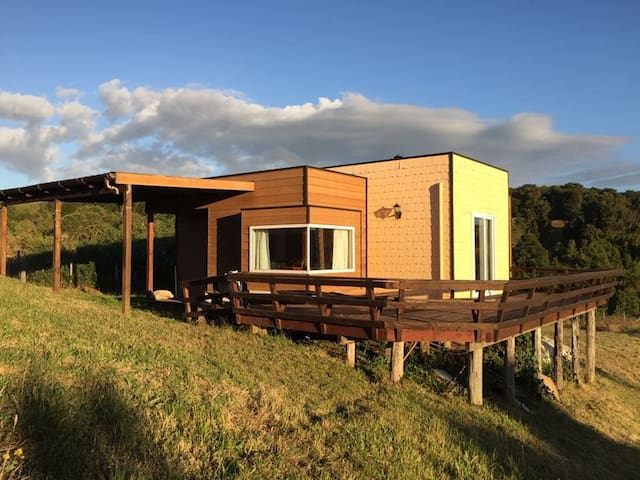 Cabaña Los Maitenes, cómoda y en amplia parcela
