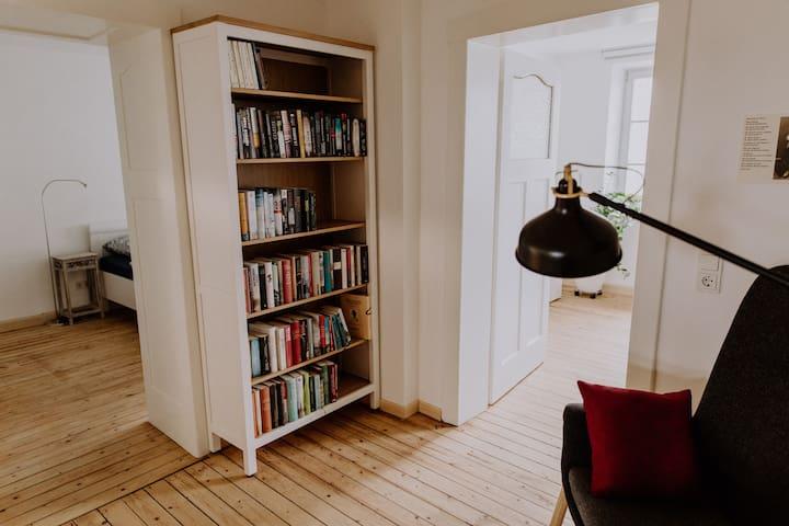 Ferienwohnung  Losheim - Wohnen mit Büchern