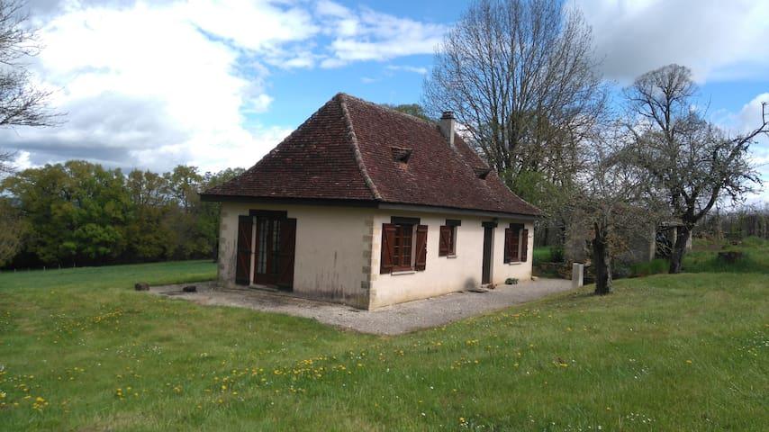Petite maison de charme en Périgord - Badefols-d'Ans - House