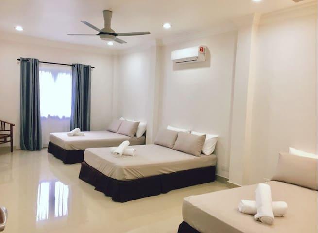 #R3# Private room near UIA Gombak & TAR University