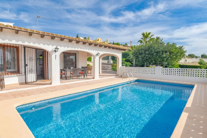Luxurious Villa with Private Swimming Pool in Benissa