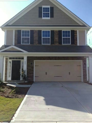Large king BR close to CLT airport. - Charlotte