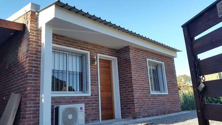 Punta del Este casa 3 dorm 2 bañ.parrill. comp.
