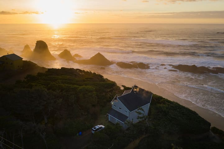Oregon Coast Trail Beach house