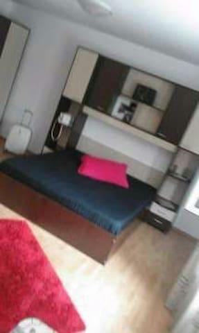 Nice room waiting for you !! - Brașov - Lägenhet