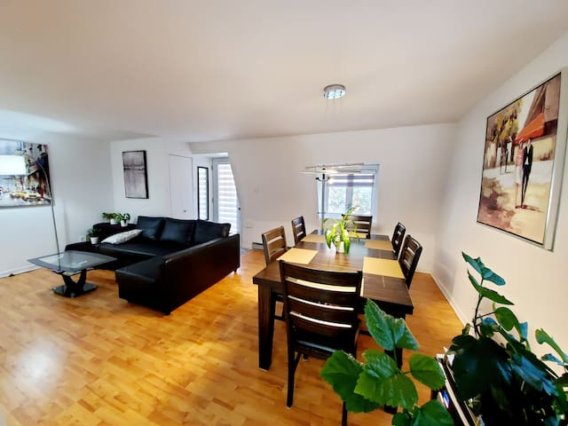 Apartment by the airport, dawntown, Montreal