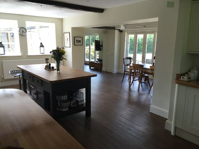 Large, newly refurbished- 'The Oxford Farmhouse' - Oxfordshire - Casa