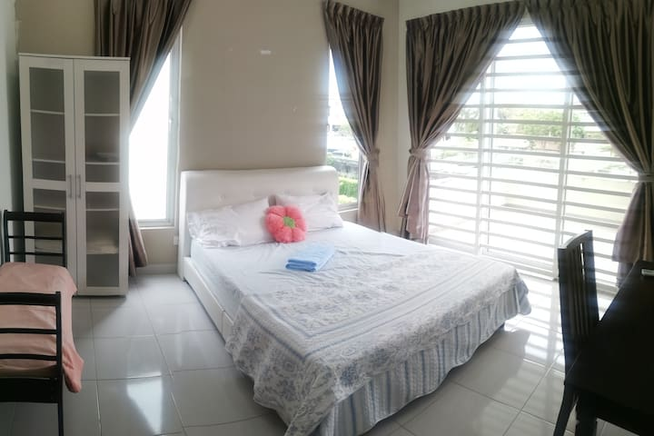 CozyLived~Attached Bathroom~ WiFi 100Mbps~balcony