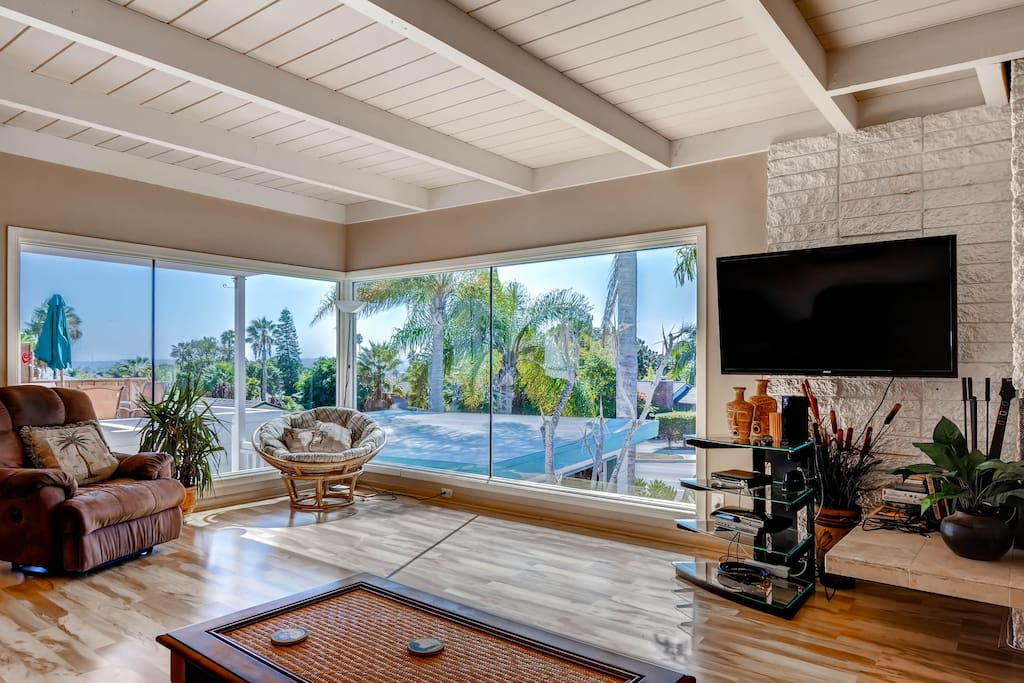 Large House Blocks To The Beach Houses For Rent In San Diego California United States