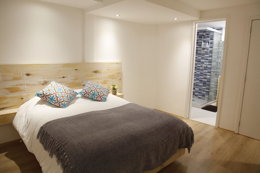 Room Octavio Paz