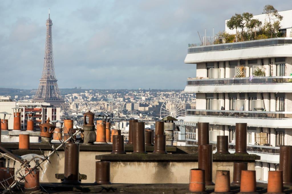 Vue sur la Tour Eiffel depuis le balcon