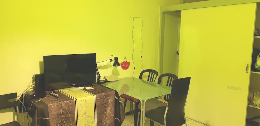 Studio  à pied 19 min d'Aix centre