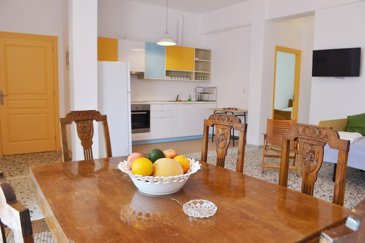 """Luxurious Gold"" Spacious Vacation Apartment - Gavrio - Apartment"