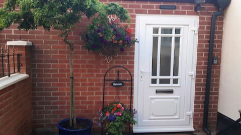 The Garden Room (just off J27 M1)