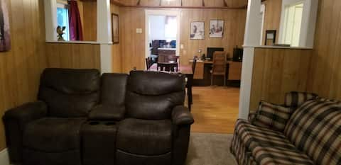 Lewellen 2 bedroom 1 bath/full kitchen