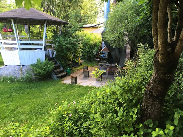 Near Helsinki airport,2nd Room+Sauna,ask 4 pickup - Vantaa - Hus