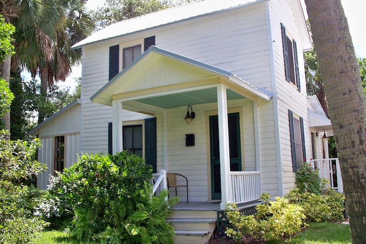 Historic Indian River Lagoon Cottage