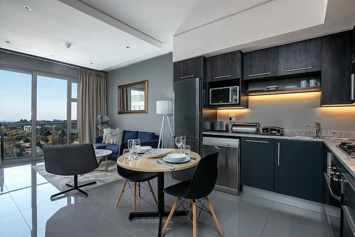 Contemporary Serviced One Bedroom Apartment