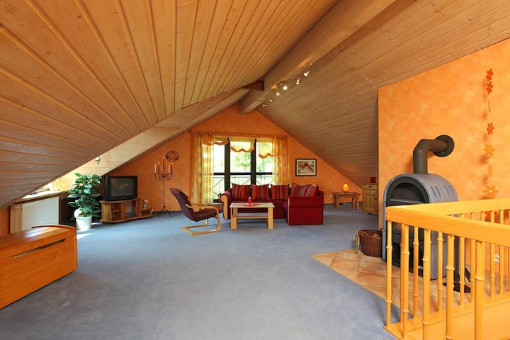Gasthaus Mester, (Lennestadt), Ferienwohnung Anja, 100qm, 2 Schlafzimmer, 1 Wohn- Schlafzimmer, max. 6 Personen