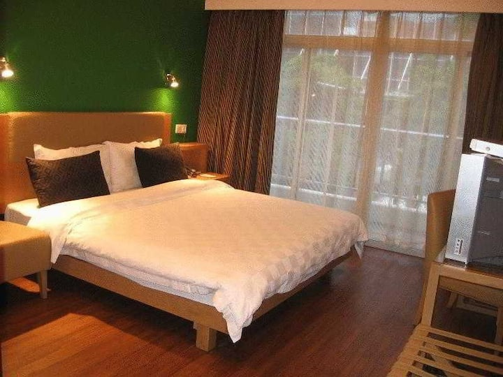 Astonishing Double Bed At Guangzhou City