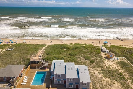 BR7 Foster, The Breakers * Ocean Front * Community Pool