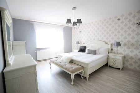 Sokołowska Apartment - Nowy Dwór Mazowiecki - Lakás